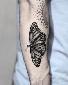 #butterflytattoo #butterfly #monarch #monarchbutterfly #blackandgreytattoo #blackandgrey #bngtattoo #bng #bngsociety #fkirons #spektraedgex… Monarch Butterfly Tattoo, Future Tattoos, Black And Grey Tattoos, Tatting, Arizona, Tattoo Ideas, Nyc, Vacation, Instagram