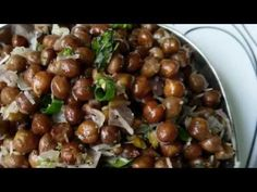 Kadale kaalu usli recipe| ಕಡಲೆಕಾಳು ಉಸ್ಲಿ| Brown chickpea usli - YouTube Indian Snacks, Make It Yourself, Vegetables, Youtube, Recipes, Food, Vegetable Recipes, Eten