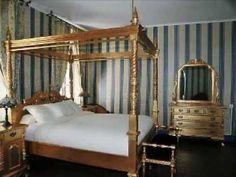 Tout le mobilier de Deco Privé at a glance! Disponible à la vente ou à la location.  #decoration #baroque #decoprive
