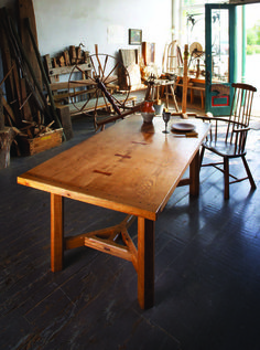 Enjoy this free project plan for how to build a farmhouse table. Don Weber takes you step by step through the design and creation of this beautiful piece!