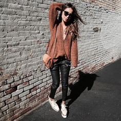 Fall Outfits To Copy To Try Now #falloutfits #fallfashions #fallfashion2016 #womensfallfashion #2017 #cutefallfashion #winteroutfit #winteroutfits #Mydiffwinteroutfit #winterfashion #autumnwinterfashion