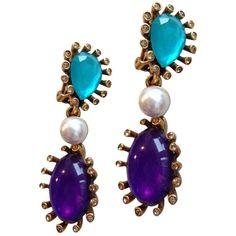 Pre-owned Large Stone With Pearl Earrings ($225) ❤ liked on Polyvore featuring jewelry, earrings, accessories, multi, purple clip on earrings, oscar de la renta earrings, stone jewelry, clip back earrings and oscar de la renta jewelry