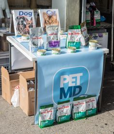 PetMD and #RoyalCanin Giveaway in NYC! | Purrfect Tales - you can still get a free bag of food at one of 32 participating store in the NYC/NJ area. Check here: http://blogp.ws/RCStores Cat people check here for a free bag of either Maine Coon, Persian, Siamese or Ragdoll formulas: http://blogp.ws/HVbZJK