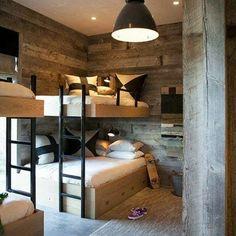 Los más peques de la casa ... a dormir! #bienvenidopedro #amigasquesonmamis #buenasnoches #goodnight #madera #habitacion #color #rustico…