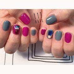 """111NAIL on Instagram: """"◾️▫️◾️⚪️⬜️◽️ #nail#art#nailart#ネイル#ネイルアート #ワンカラー#blue#purple#bijou#シンプルネイル#ショートネイル#nailsalon#ネイルサロン#表参道#purple111#blue111 #シンプル111"""""""