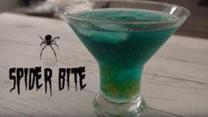 Le Spider Bite, un cocktail halloween aux oeufs d'araignée Coktail Halloween, Vodka, Spider Bites, Hurricane Glass, Margarita, Shot Glass, Cocktails, Tableware, Halloween Dinner