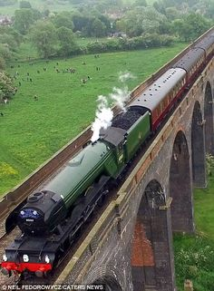 Drone video footage shows the Flying Scotsman steaming across a huge viaduct By Train, Train Tracks, Train Rides, Steam Trains Uk, Old Steam Train, Uk Rail, Flying Scotsman, Steam Railway, Bonde