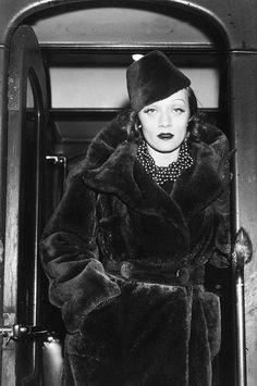 1930s Winter Fashion ~ Marlene Dietrich 1937 #vintage #winter #1930s #fashion