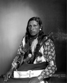 Half-length, seated studio portrait of Geo. Shakspear, an Arapahoe Native American man; subject has three pierced earrings on earlobe. Native American Quotes, Native American Beauty, Native American Tribes, Native American History, American Symbols, American Women, American Art, Wyoming, Nebraska