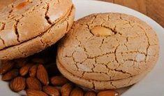 Acıbadem Kurabiyesi Tarifi – Kurabiye – The Most Practical and Easy Recipes Cookie Recipes, Dessert Recipes, Desserts, No Gluten Diet, Macaroon Recipes, Pastry Art, Sweet Cookies, Macaroons, Food To Make