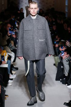 The complete OAMC Fall 2018 Menswear fashion show now on Vogue Runway. #MensFashionFall
