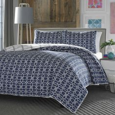 Twin Navy White Geometric Reversible Quilt Coverlet Bedspread Set