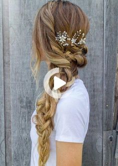 Are you fired up to work on these easy braided hairstyles for spring? These pretty braided hairstyles are all you need to welcome the spring season! #weddinghairstyles Pretty Braided Hairstyles, Fishtail Braid Hairstyles, Box Braids Hairstyles, Boho Hairstyles, Wedding Hairstyles, Hair Updo, Romantic Hairstyles, Spring Hairstyles, Halloween Hairstyles