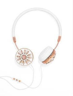 Jeweled headphones from #FRENDS x @baublebar