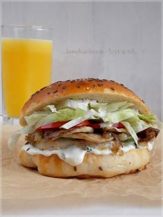 Speed Foods, Hamburger, Sandwiches, Food And Drink, Tasty, Salad, Chicken, Ethnic Recipes, Kitchen