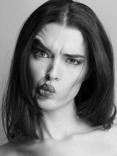 Well, this photo really invites to exercise my eye brows and mouth Expressions Photography, Face Photography, Photo Portrait, Female Portrait, Silly Faces, Funny Faces, Girl Face, Woman Face, Facial Expressions Drawing