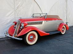 1935 Studebaker Dictator Roadster Retro Cars, Vintage Cars, Retro Vintage, Vintage Items, Classic Trucks, Classic Cars, Convertible, Old American Cars, American Auto