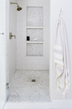 Elegant Home Interior Bathroom renovation - Oversized shower niches - Design: Alison Giese Interiors :: Photo: Robert Radifera.Elegant Home Interior Bathroom renovation - Oversized shower niches - Design: Alison Giese Interiors :: Photo: Robert Radifera Shower Floor, Shower Remodel, Shower Niche, Bathrooms Remodel, Bathroom Makeover, Shower Floor Tile, Patterned Floor Tiles, Master Bath Renovation, Bath Renovation