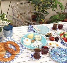vente à emporter petit-déjeuner turc, commande brunch turc elma et nar