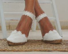 Alpargatas Novia-Ibicencas Ibicencas Bridal espadrilles handmade with natural fabric and white guipure applique, exclusive for you and your feet. Ibiza, Father Of The Bride Outfit, Evolution T Shirt, Gifts For Photographers, Simple Bags, Wedding Shoes, Boho Wedding, Wedding Ideas, Celebs
