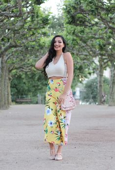 Summer Inspiration - Wide Legged Culottes with Floral Prints Crop Top Outfits, Short Tops, Frankfurt, Wide Leg, High Waisted Skirt, Floral Prints, Crop Tops, Legs, Beauty