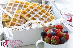 Gofry bez proszku do pieczenia Biscuits, Polish Recipes, Holiday Recipes, Pancakes, Sweets, Cookies, Breakfast, Cos, Drink
