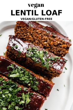 This vegan lentil loaf recipe is the BEST! It's healthy and easy to make and is perfect for Thanksgiving or a holiday dinner! A meat-less loaf recipe made with lentils, portobello mushrooms and quinoa! Loaf Recipes, Lentil Recipes, Whole Food Recipes, Vegan Recipes, Dinner Recipes, Cooking Recipes, Cooking Pork, Cooking Tips, Chicken Recipes