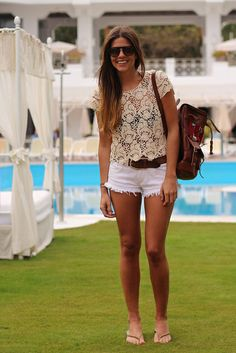 trendy_taste-street_style-boho-cercle_jewels-look-outfit-primavera_verano_2013-spring_summer_13-white_shorts-ethnic_bag-mochila_etnica-9 | Flickr - Photo Sharing!