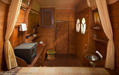 Right now I'm showing you how this man, Dipa Vasudeva Das, turned a high top cargo van into a beautiful tiny cabin on wheels. He calls it his EarthShip. It's a DIY motorhome project tha…