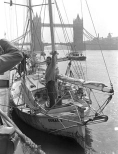 Robin Knox Johnston, the first yachtsman to sail single handed non stop round the world, ariving in his ketch Suhaili at Tower Pier in the Thames. His mile voyage took him 312 days. Sailboat Cruises, Nautical Pictures, The World Race, Sailboat Living, Small Sailboats, Sailing Ships, Sailing Yachts, Beyond The Sea, Yacht Boat
