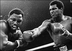 De kracht van de intenties. Wat kun je leren van de topsporters?    Muhammad Ali was niet bezig  geweest zijn lichaam te trainen hoe hij kon winnen; hij trainde zijn geest om niet te verliezen – vooral op het moment dat hij, om en nabij de twaalfde ronde, uitgeput dreigde te raken. Het belangrijkste werk gebeurde niet in de ring, maar in zijn leunstoel. Hij bokste de wedstrijd van te voren in gedachten. Hij gebruikte zijn intenties.