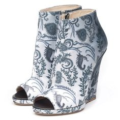 Bootie Boots, Shoe Boots, Ankle Boots, Crazy Shoes, Me Too Shoes, Rain Collection, How To Feel Beautiful, Paisley Print, Rubber Rain Boots