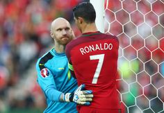 Great display from Austria's goalkeeper, it ends 0 - 0. #EURO2016