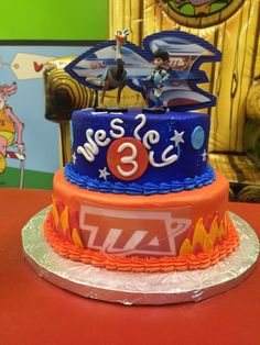 Amazing Miles from tomorrowland birthday cake! Love the space ship background, figurines and the designs on each tier. Drake's Birthday, Thomas Birthday, Fourth Birthday, Birthday Party Themes, Birthday Ideas, Birthday Cakes, Miles From Tomorrowland Birthday Cake, Birthdays, Space Party