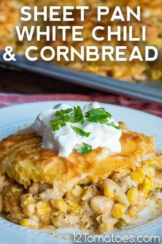 It's the perfect one-pan dinner and so easy to make. Chicken Taco Seasoning, Seasoning Mixes, White Chicken Chili Seasoning Mix Recipe, Chili And Cornbread, Homemade Cornbread, Chili Ingredients, White Chili, One Pan Dinner, Lentil Stew
