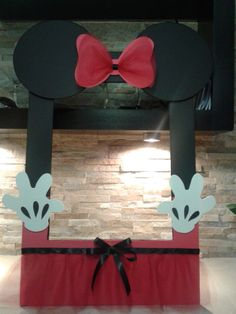 Trendy baby shower photo booth ideas frames minnie mouse ideas - New Deko Sites Minnie Mouse Cartoons, Mickey Mouse Crafts, Minnie Y Mickey Mouse, Bolo Mickey, Minnie Mouse Baby Shower, Baby Mouse, Mini Mouse, Party Photo Frame, Photo Booth Frame