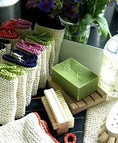Pretty knitted washcloths -@Jenna Nelson Nelson Nelson Nelson Nelson Washatka. Should we learn to make these?! Ah-ha!!!!!!