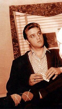 Elvis - cool