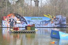 1/31   Photo du water stunt show, Jim Bond H2O situé à Holiday-Park (Allemagne). Plus d'information sur notre site http://www.e-coasters.com !! Tous les meilleurs Parcs d'Attractions sur un seul site web !!