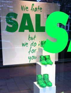 We hate SALE. Gave etalage / Noah shoes. Inspiration fuer Sockel, www. Fashion Window Display, Window Display Retail, Retail Windows, Store Windows, Window Displays, Sale Signage, Retail Signage, Boutique Interior, Visual Merchandising