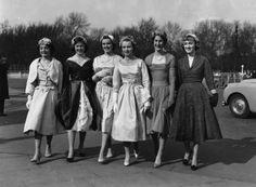 Debutante casualwear circa 1958. | 14 Delightful Photos Of Vintage Debutante Style 1950s Fashion, Girl Fashion, Vintage Fashion, Pastel Color Dress, Beatnik, Retro Chic, New Set, Popular Culture, Vintage Photos