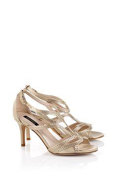 Schuhe für die Braut. Elegante Sandalette  aus Satin mit Pfennigabsatz und kleinen  Kristallapplikationen