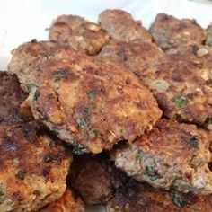 German Hamburgers (Frikadellen) — Authentic German meat patties make a quick and delicious weeknight meal your family will love. Ground Beef Recipes, Pork Recipes, Cooking Recipes, Hamburger Recipes, Hamburger Dishes, Scd Recipes, Barbecue Recipes, Yummy Recipes, Beef