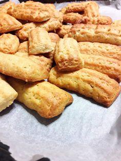 Παξιμάδια γλυκάνισου Greek Recipes, Cinnamon, Vanilla, Cookies, Sweet, Food, Orange, Beauty, Kitchens