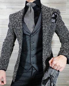 S by Sebastian Charcoal Ciottoli Waistcoat Blazer Outfits Men, Komplette Outfits, Fashion Outfits, Fashion Blogs, Mens Fashion Suits, Mens Suits, Womens Fashion, Moda Formal, Top Mode