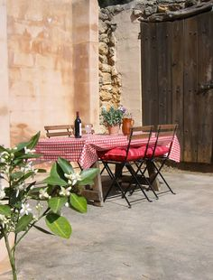 A SUMMER HOME FOR RENT ON IBIZA | THE STYLE FILES