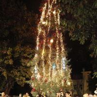 Духът на Коледа се настани под тепетата