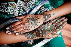 mehndi maharani finalist: Bridal Elements http://maharaniweddings.com/gallery/photo/26822 @kiscubedevents