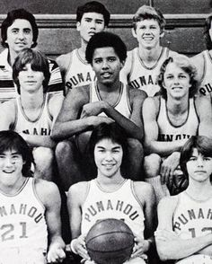 ♡♥Barack Obama is on his high school basketball team♥♡