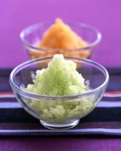 So Sweet: Honeydew and Cantaloupe Recipes When the temperature soars, these chilly sweets will provide cool relief (and lots of smiles). Honeydew And Cantaloupe, Cantaloupe Recipes, Frozen Desserts, Just Desserts, Frozen Treats, Summer Desserts, Dessert Recipes, Dessert Dips, Healthy Desserts